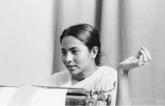 Mamata Banerjee: Complete Biography of Indian Lady Fighter