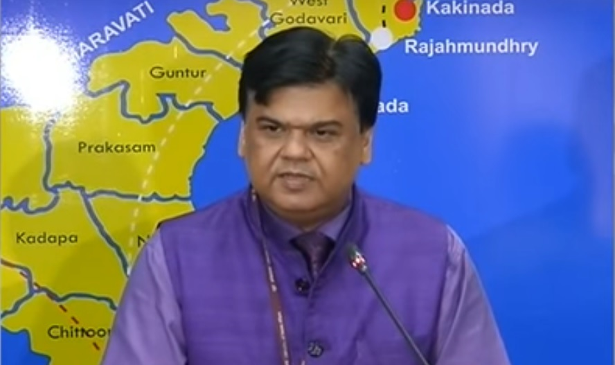 Praveen Prakash: IAS Out From CMO Behind Reasons