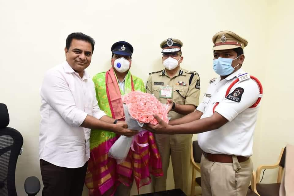 Minister KTR appreciates traffic si and constable who issued challan to his car